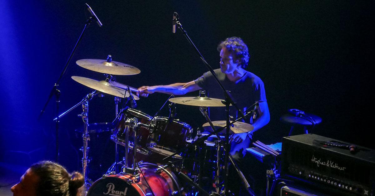 Μαθήματα drums με τον Μπάμπη Πετσίνη
