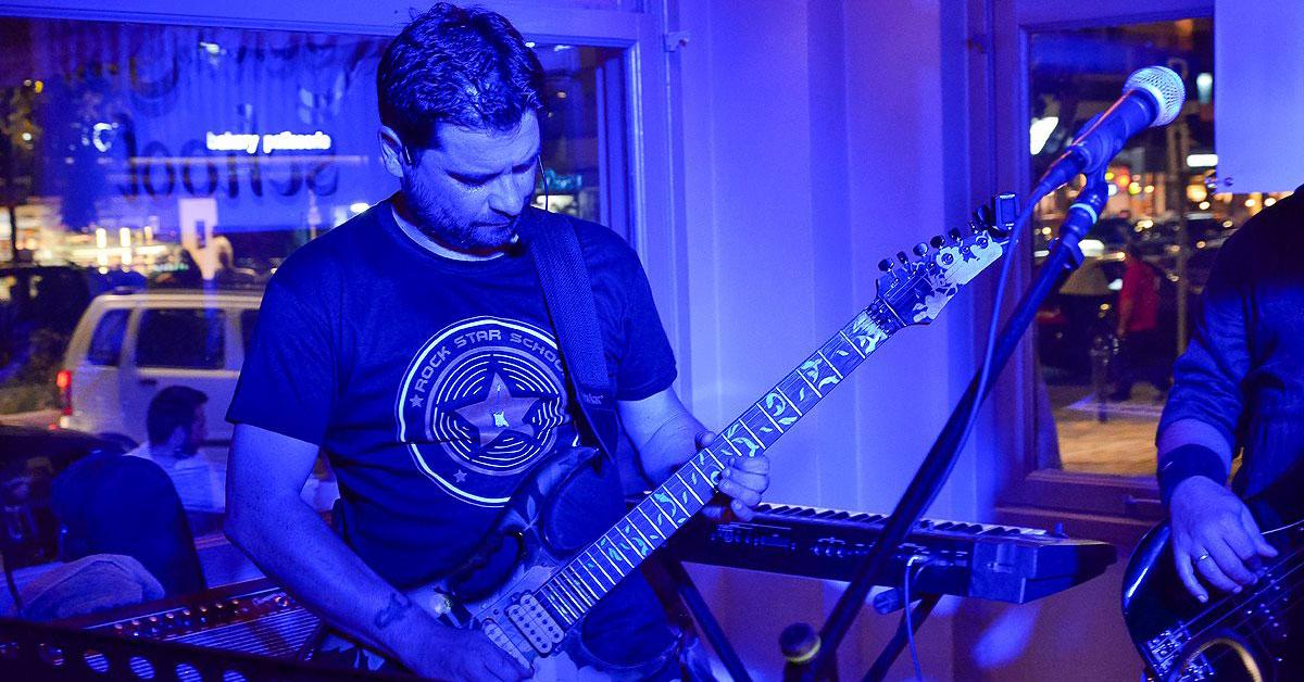 Μαθήματα ηλεκτρικής κιθάρας με τον Πάνο Καραγιάννη