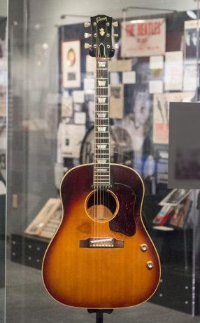 Gibson_J-160E